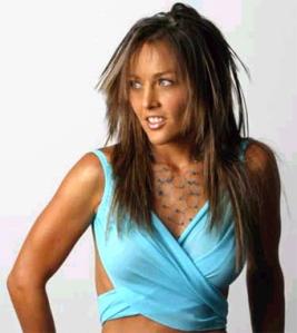 Luego de cancelar sus presentaciones, el representante de la cantante mexicana dijo que los médicos descartaron que se tratara de la influenza AH1N1.