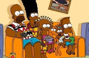 Sin su característica piel amarilla, la familia luce en una imagen con la tez oscura y sandalias.