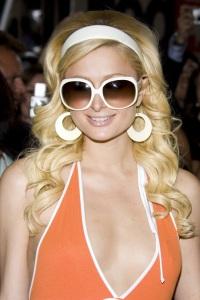 Paris Hilton indomnizacion